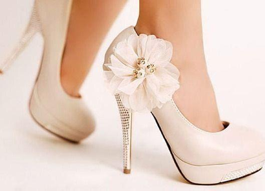 f6237bc6ab05af Весільне взуття для нареченої: правила підбору