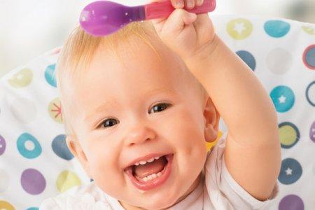 Педиатры рассказали о рационе питания 8-месячного ребенка