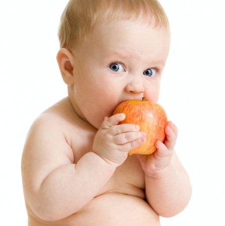 Фрукти в раціоні харчування 8-місячної дитини