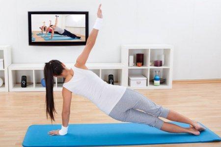 Уроки фитнеса в домашних условиях: плюсы и минусы тренировок дома