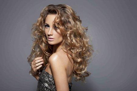 зачіски – локони