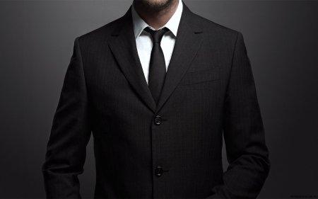 Як одягнутися на весілля нареченому: підбираємо костюм