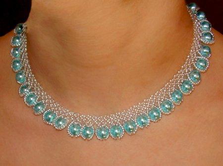 Бисероплетение: ожерелье своими руками