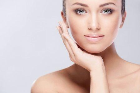 Догляд за шкірою особи 20 років