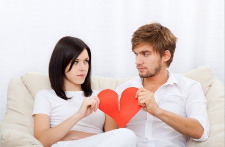 Відносини після розлучення: як пережити розрив