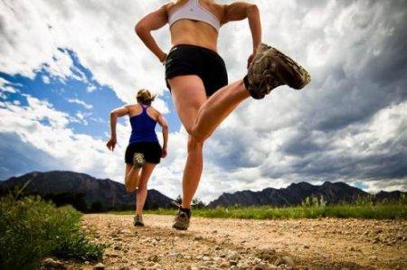 Тренуємося будинку: ефективні вправи для стегон для жінок