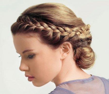 Модные прически на выпускной на волосы средней длины