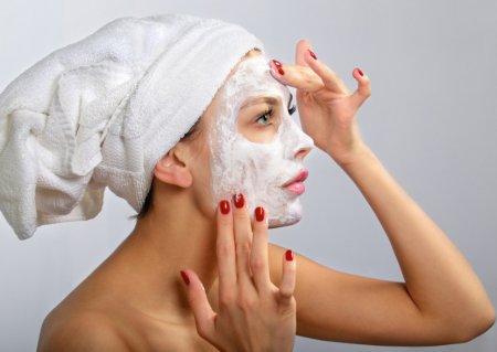 чищення обличчя в домашніх умовах
