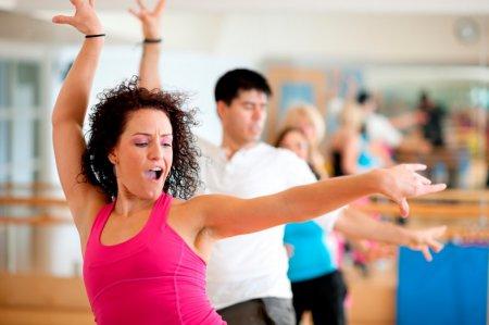 Танцевальная аэробика для похудения: обучающие уроки