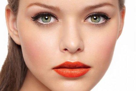Как сделать летний макияж глаз зелеными тенями