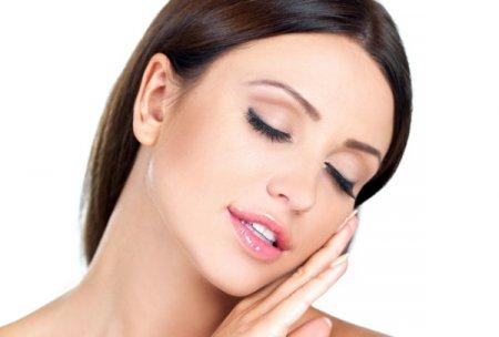 Експрес-чистка обличчя в домашніх умовах: гладка шкіра за 10 хвилин