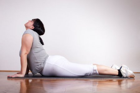 Фітнес для дівчат. Йога сприяє схудненню?