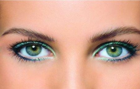 Макіяж очей: зелені тіні