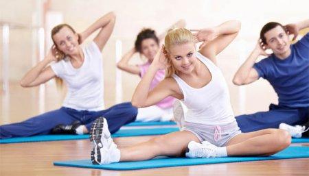 Вправи для стегон для жінок: - 10 сантиметрів