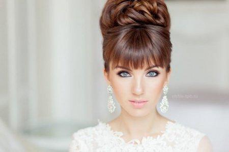 Зачіски прості і красиві: ТОП варіантів