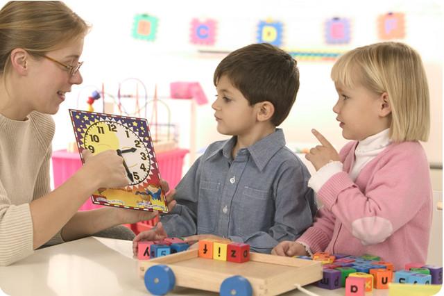 Как ребенка научить английскому