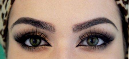 макиж з ефектом великих очей