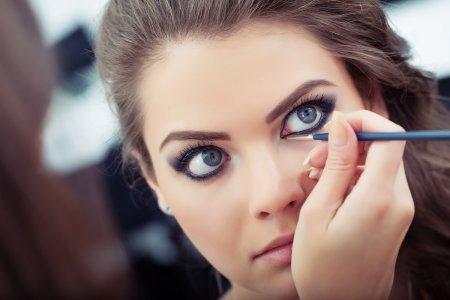 Як зробити макіяж з ефектом великих очей: ТОП-7 способів