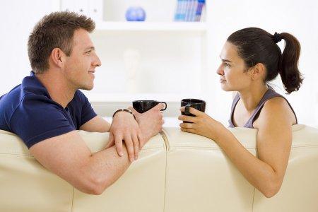 Как поддержать разговор с парнем: ТОП-10 правил общения