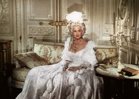 Законодавиця мод 18 століття – Франція.