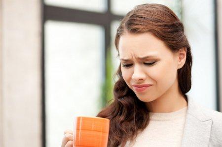 Специалисты рассказали о причинах горечи во рту