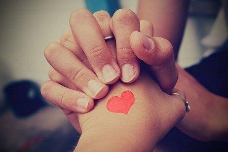 Як зізнатися в коханні дівчині: слова, перед якими вона не встоїть