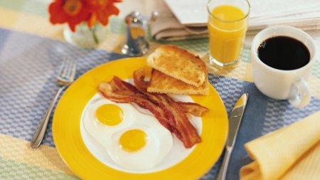 Що їсти на сніданок, щоб схуднути - поради дієтологів