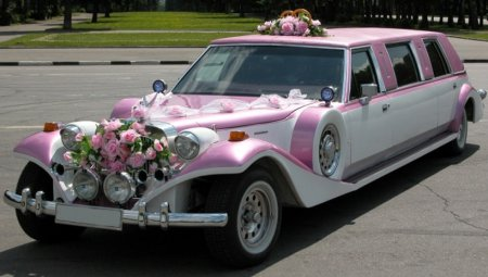 Як прикрасити весільну машину
