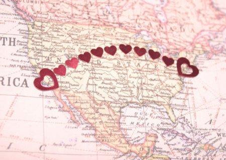 Як зберегти стосунки на відстані: