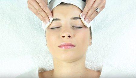 Мануальная чистка лица: этапы и особенности процедуры