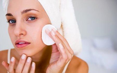 Чистка жирной кожи лица