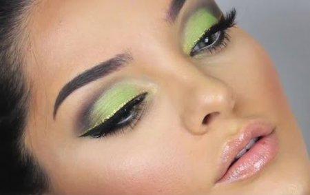 Как сделать макияж глаз зелеными тенями за 10 минут