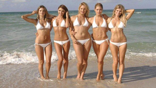 Фото женщин с плотным телом, зрелые дамы писают везде